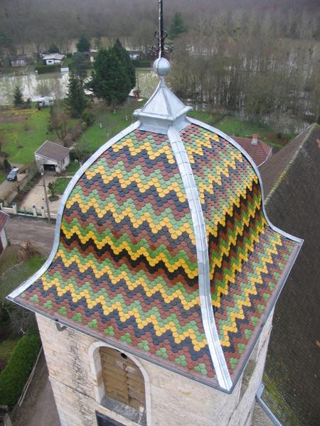 Eglise Broye-les-Pesmes (70) - Rénovation de la toiture en tuile plates et clocher en ardoise d'Angers
